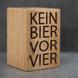 """Bieröffner """"Vor Vier"""""""