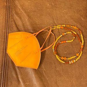"Maskenkette Perlen ""orange"""